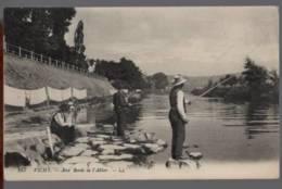 03 - VICHY - Aux Bords De L'Allier - ANIMÉ ( Pêcheurs - Laveuse Lavandière ) - Vichy