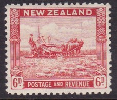 New Zealand 1941 P.12.5 SG 585b Mint Hinged - Unused Stamps