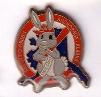 Q150 Pin's Lapin Rabbit Baseball Abbott Op Rabbit Anchorage Alaska Achat Immédiat - Baseball