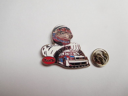 Superbe Pin's En Zamac , Auto Audi , Sport Proto , Le Mans , Pneu Dunlop , Carburant Antar , Pioneer - Audi