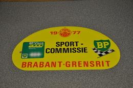 Rally Plaat-rallye Plaque Plastic: 34e Brabant-grensrit SPORT-COMMISSIE1977 RAC-zuid BP - Plaques De Rallye
