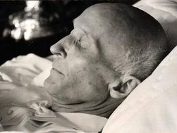 Photo Originale Post Mortem, Défunt Sur Son Lit De Mort & Gros Plan De Profil De Leopold Hûffer Vers 1940/50 - Personnes Identifiées
