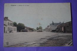 CPA 51 FISMES AVENUE DE LA GARE PANNEAU PUBLICITAIRE PÉPINIÈRES PONSIN  FINEMENT COLORISÉE RARE PLAN 1914 - Fismes