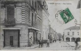 CREON ( Gironde ) Rue Sadirac Bien Animée - Hôtel Café Dupuy( 1910 ) - Other Municipalities