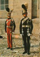 01634 - HOTEL DES INVALIDES - MUSEE DE L'ARMEE - Uniformes De La Restauration - Garde Royal 1815-1830 Dragon Et Chasseur - Uniformi
