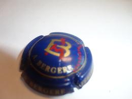 CAPSULE DE CHAMPAGNE  -   BERGERE A.  -  N°15d Bleu Foncé Et Or, Avec A Rouge - Champagne