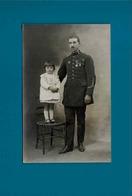 Carte Photo De Militaire Avec Enfant,non Identifier - Personen