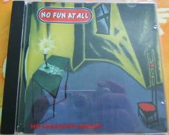 CD PUNK - NO FUN AT ALL / NO STRAIGHT ANGLES - Punk