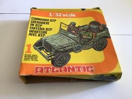 Boîte De Jouets Grenadiers Infanterie Avec JEEP Véhicule Militaire Atlantic 1/32 - Toy Memorabilia