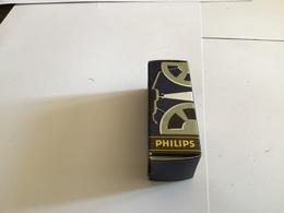Ampoules Avec Sa Boîte Philips Ampoule Du Projecteur - Vacuum Tubes