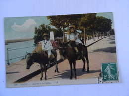 CPA  03  VICHY Aux Bords De L'Allier  Animée 2 Anes En Promenade  TBE - Donkeys
