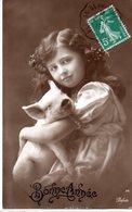 CPA  -  Fillette Avec Un Cochon  - Bonne Année - écrite  - - Ritratti