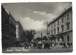 4696 - BRINDISI PIAZZA VITTORIA ANIMATA 1957 - Brindisi