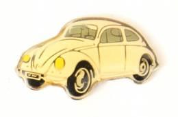 Pin's VOLKSWAGEN COCCINELLE Blanche - J330 - Volkswagen