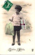 CPA  -  Garçon Avec Cadeaux   - Bonne Année  - écrite - Portraits