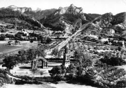 13 SAINT REMY DE PROVENCE  Vue Panoramique Aérienne Les Antiques GLANUM Et Mont Gossier   6 (scan Recto Verso)KEVREN0690 - Saint-Remy-de-Provence