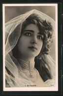 Foto-AK Atelier Reutlinger, Paris: Schauspielerin C. De Villers Mit Schleier Auf Dem Haar - Actors