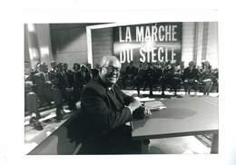 PHOTO DE PRESSE AFP 1995 JEAN MARIE LEPEN INVITE DE LA MARCHE DU SIECLE - Other
