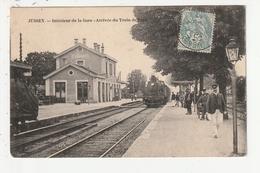 JUSSEY - INTERIEUR DE LA GARE - ARRIVEE DU TRAIN DE PARIS - 70 - France