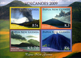 Ref. 238041 * NEW *  - PAPUA AND NEW GUINEA . 2009. VOLCANOES IN ERUPTION. VOLCANES EN ERUPCION - Papua Nuova Guinea