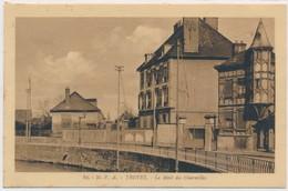 CPSM 89. M.P.A. Troyes Le Mail Des Charmilles Circulée écrite - Troyes
