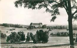 Cp - Vittel - L 'Ermitage Et Le Golf    C818 - Vittel Contrexeville