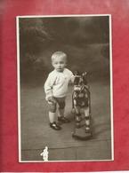 Carte Photo - Enfant , Jeu , Jouet , Jeux , Jouets , Cheval à Roulettes - ( Martin , Photo  , Moreuil ) - Jeux Et Jouets