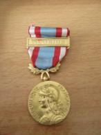 France - Médaille Commémorative Opérations Sécurité Et Maintien De L'Ordre - Barrette Algérie - Métal Doré - Coffret - France