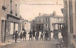 """¤¤   -   LES MOUTIERS-les-MAUXFAITS    -   La Place  -  Commerce De """" A. TRICHET """"    -   ¤¤ - Moutiers Les Mauxfaits"""