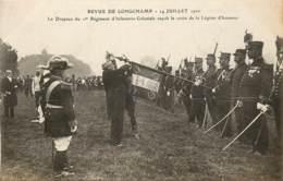 REVUE DE LONGCHAMPS 14 JUILLET 1910 LE DRAPEAU DU 1ER REGIMENT INFANTERIE COLONIALE RECOIT LA CROIX LA LEGION D'HONNEUR - Arrondissement: 16