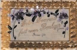 CARTE CELLULOIDE ,VOTRE SOUVENIR FAIT MON BONHEUR,VIOLETTES  REF 64665 - Cartes Postales