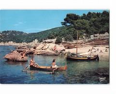 83 Hyeres Ile Du Levant La Plage Des Grottes Canoe Femme Nue Naturisme - Hyeres