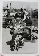 №44 Photography Of Girl Rides Very Little Bicycle - Sofia 1969, Old FOTO PHOTO - Anonymous Persons