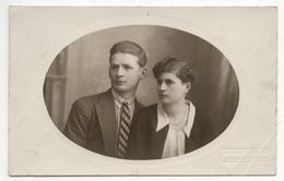CARTE PHOTO ANCIENNE Couple Portrait Felix Brouchican Aix En Provence Costume Ovale Vers 1920 - Persone Anonimi