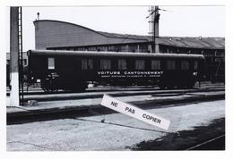 PHOTO Train Wagon Voiture Cantonnement SNCF MT Villeneuve St Georges RETIRAGE RECENT D'après NEGATIF ORIGINAL Années 60 - Trenes