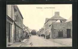 CPA Tinténiac, La Rue Nationale, Vue De La Rue Im Ort - France