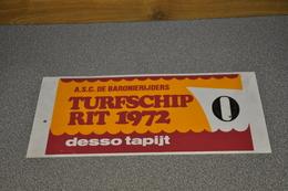 Rally Plaat-rallye Plaque Plastic: 18e Turfschiprit Breda 1972 Desso Tapijt Baronierijders - Plaques De Rallye