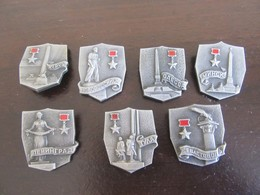 URSS - Lot De 7 Insignes Militaires De Villes (Leningrad, Minsk, Sebastopol, Tula, Etc) - Très Bon état - Insignes & Rubans