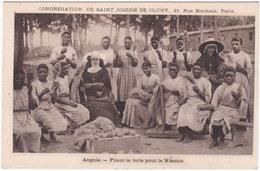 ANGOLA. Filant La Toile Pour La Mission - Angola
