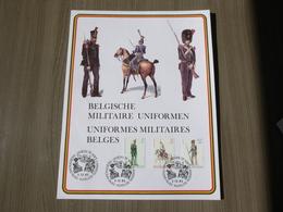"BELG.1983 2108/2110 Militaire Herdenkingskaart "" Uniformen / Uniformes "" Carte Commémorative Militaire - 1981-90"