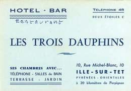 250320B - CARTE DE VISITE - 66 ILLE SUR TET Hôtel Bar Restaurant LES TROIS DAUPHINS Rue Michel Blanc ** - France