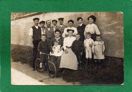 93  CARTE PHOTO Photo BIZON, Bobigny - Groupe De Personnes Famille Se Faisant Prendre En Photo  Voir Scannes - Bobigny