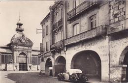 CPA 81 @ AGEN - Les Cornières Et Le Marché - A La Grande Fabrique Magasin De Léon Vidal - Automobile Cabriolet - Agen