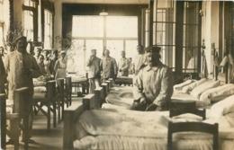 POTSDAM CARTE PHOTO 1915 SOLDATS ALLEMANDS ET INFIRMIERE VOIR LES DEUX SCANS - Potsdam
