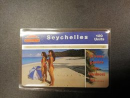 SEYCHELLES/SEYCHELLEN  120 UNITS LADYS ON BEACH L&G CARD     ** 830** - Seychellen