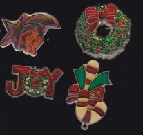 63663-lot De 4 Pin's.Noel.Fetes. - Navidad