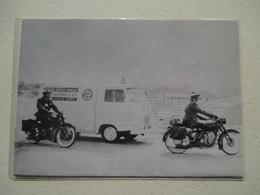 Savigny Le Temple -  Les Motards De La Police Et L'ambulance Du Secours Routier Des CRS - Coupure De Presse De 1962 - Motos
