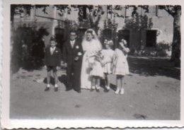 Gr03V  04 Riez Photo Mariage Les Mariés Sur La Place Années 30/40 - Autres Communes