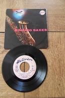 Disque 45 Tours Dans Sa Pochette  D Origine : Singing Saxes Années  1955 / 60 - 45 T - Maxi-Single