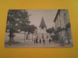 Pouilly Sous Charlieu, Loire, Groupe D'enfants Sur La Place Devant Un Commerce, Carte Colorisée.1911 - Otros Municipios